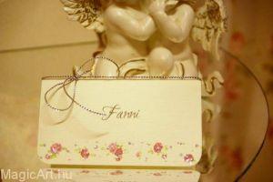 rózsás ültetőkártya-ezüst zsinórral